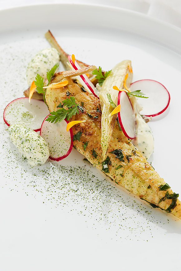 A recipe by Castor – Maarten Bouckaert: Young monkfish with lovage butter - artichoke – sour cream